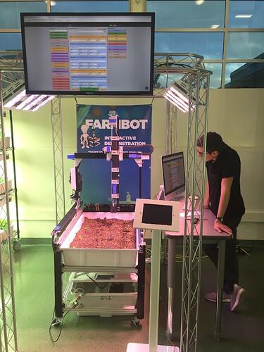 farmbot + screen (1)